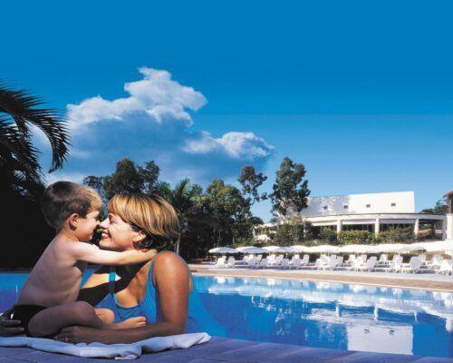 HRC_family-pool